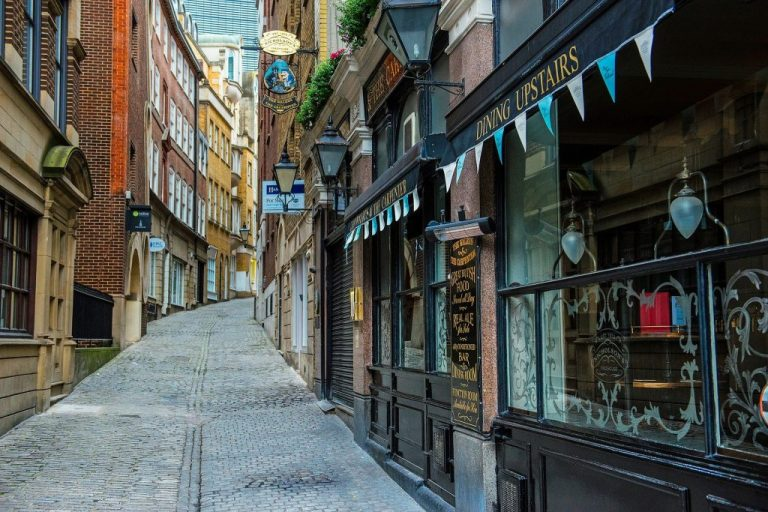 Tour London's Streets From Home